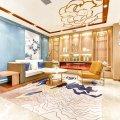 华瑞酒店(哈尔滨中央大街地铁站店)