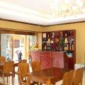泸定贡布林卡藏式主题酒店