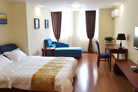 罗曼蒂度假公寓酒店(湛江万达广场店)