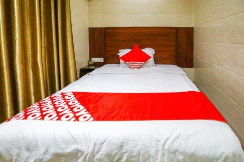 OYO东园商务酒店