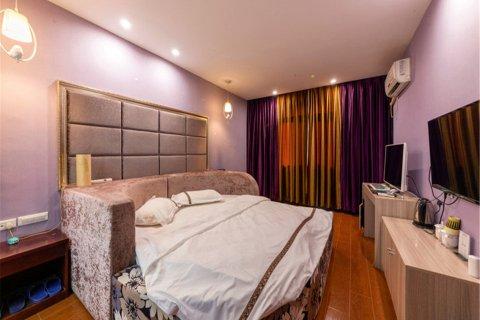 黄石爱情公寓
