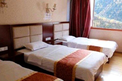 小金绿叶商务酒店